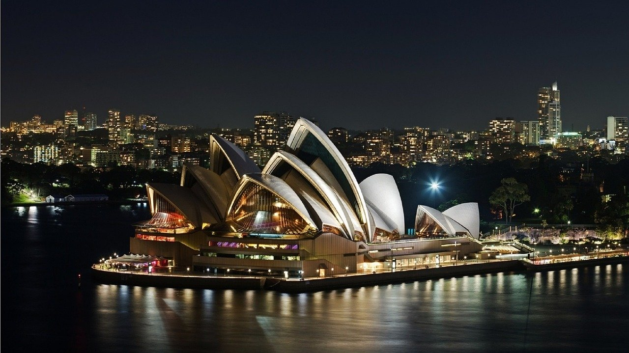 Australia,its interesting location and wonderful places to discover